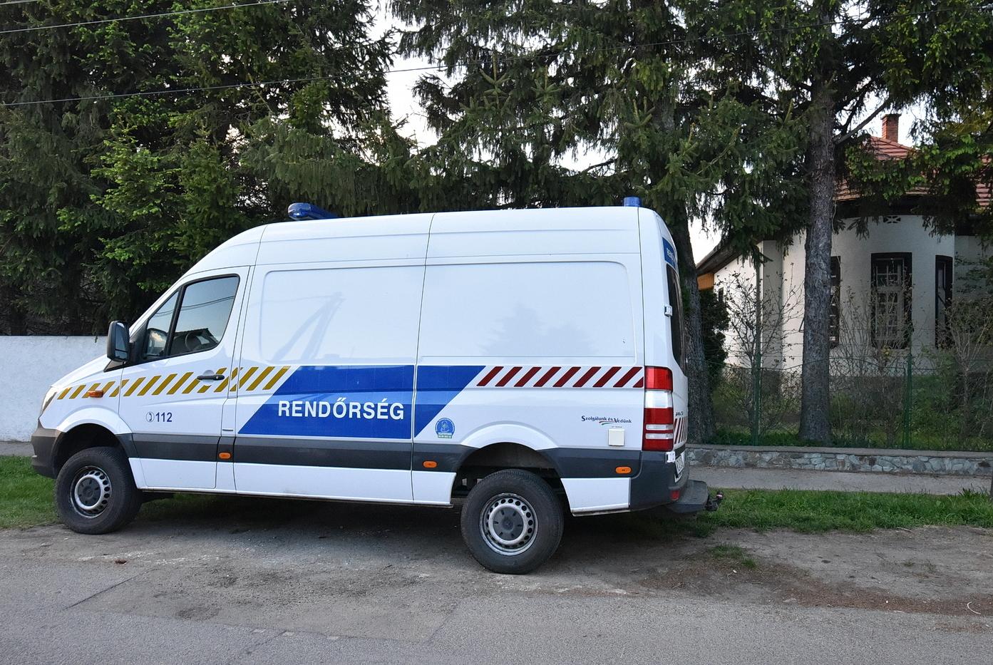 Helyszíni szemle dr. Kásler Miklós sárvári házánál